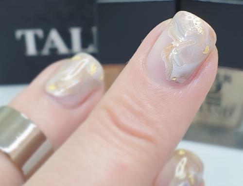 WATCH | Glimmer Stone Nail Art Tutorial